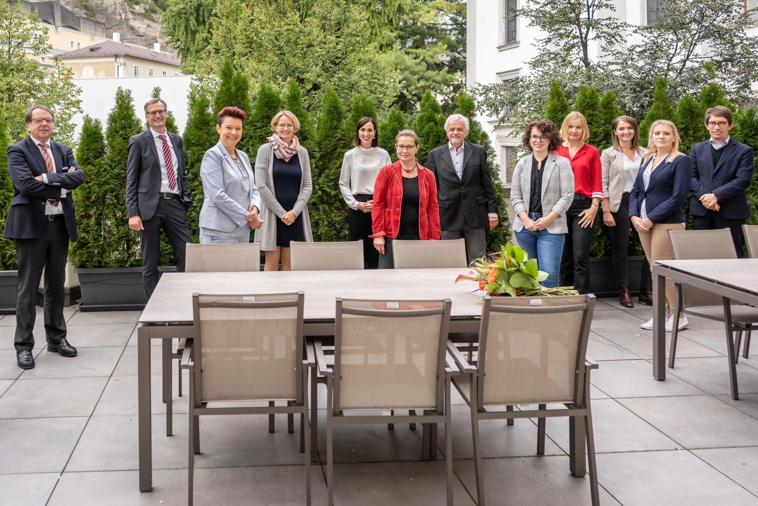 Team der SMBS_Univ.-Prof.Dr. Sabine Urnik als neue Lehrgangsleitung